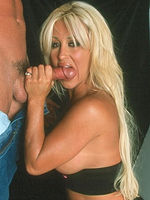 Jill Kelly fucks a guy like a true porn star