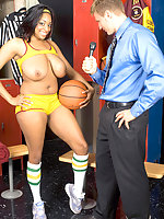 Ebony basketball player gets her holes stuffs
