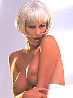 Kyla Cole busty blonde fingers herself